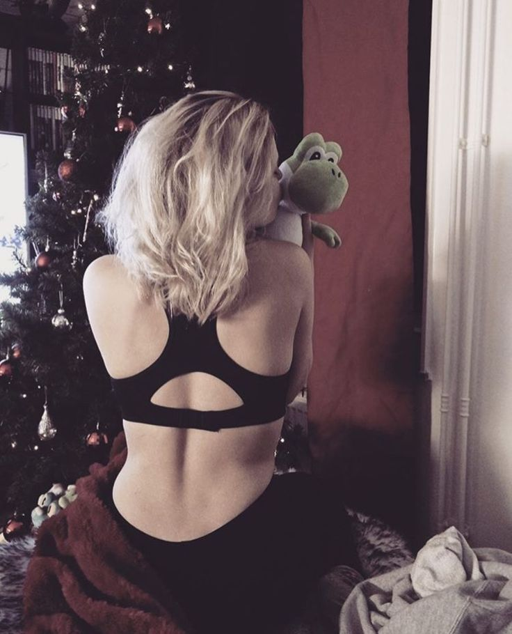 TB #christmas #nintendo #blonde #fitness #body #christmastree #xmas  #exercise #fashion #cosy #love #red #style #outfit