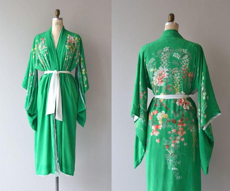 Antieke jaren 1920, begin jaren 1930 kelly groene zijden kimono badjas met bloemen print en witte voering. Witte zijde stropdas riem.  ✂---Metingen