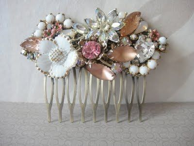Shabby Chic Floral Jewel Brooch: Collage Haircomb, Vintage Jewels, Shabby Chic, Vintage Hair Combs, Hair Pieces, Vintage Hair Accessories, Chic Floral, Hair Sliding, Vintage Style