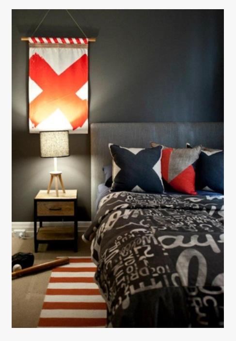 Dark tween/teen room