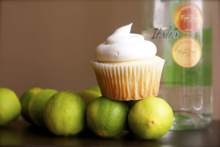 Pisco Sour Cupcake by Provecho Peru as part of the Friday Five - Peruvian addition - Feed Your Soul Too