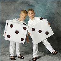 make a Halloween Dice Costume - cute for Twinkie Day during spirit week or a couple's outfit