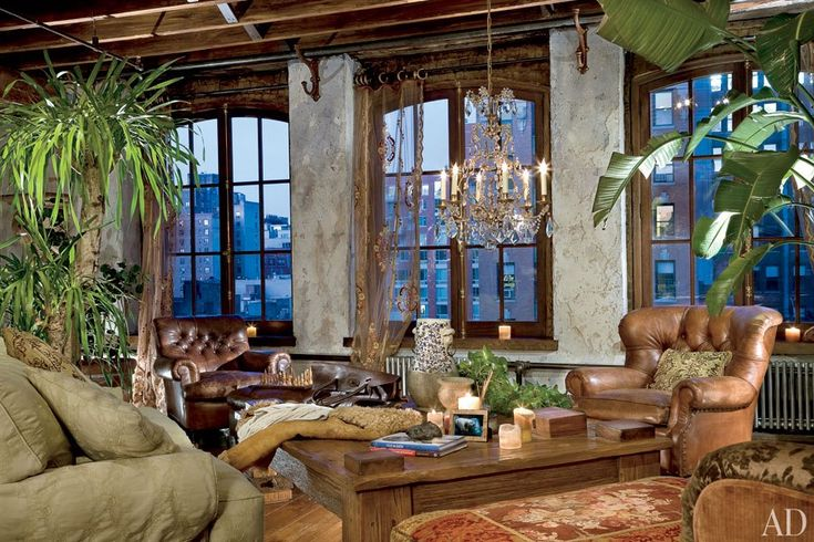 Celebrity Living Rooms Gerard Butlers 3,300 sqaure foot loft in a converted manufacturing warehouse.