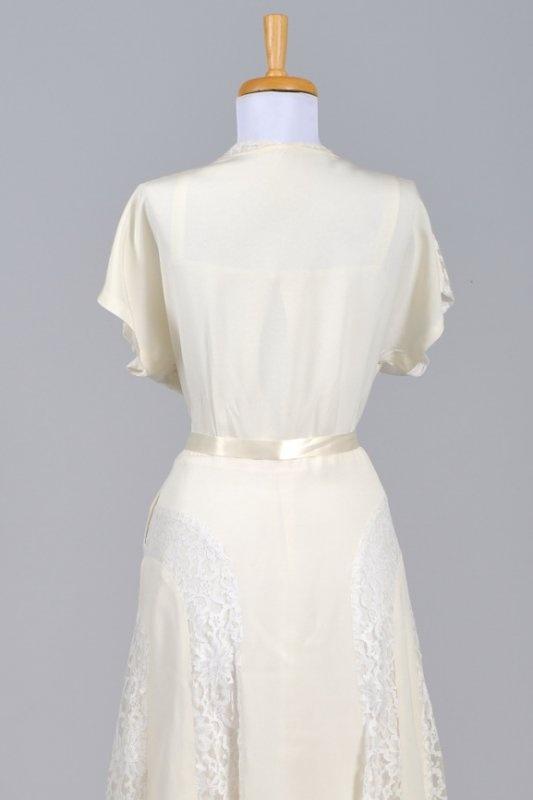 53 best vintage garb over there images on pinterest for Frugal fannies wedding dresses