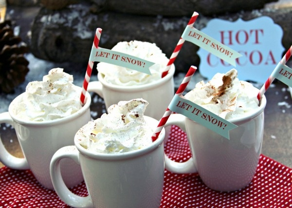 Warm up the Christmas party with these hot cocoa drinks - yum!: Christmas Parties, Winter Time, Chocolates Ideas, Christmas Straws, Candy Canes, Parties Ideas, Hot Chocolates, Hot Coco, Winter Treats
