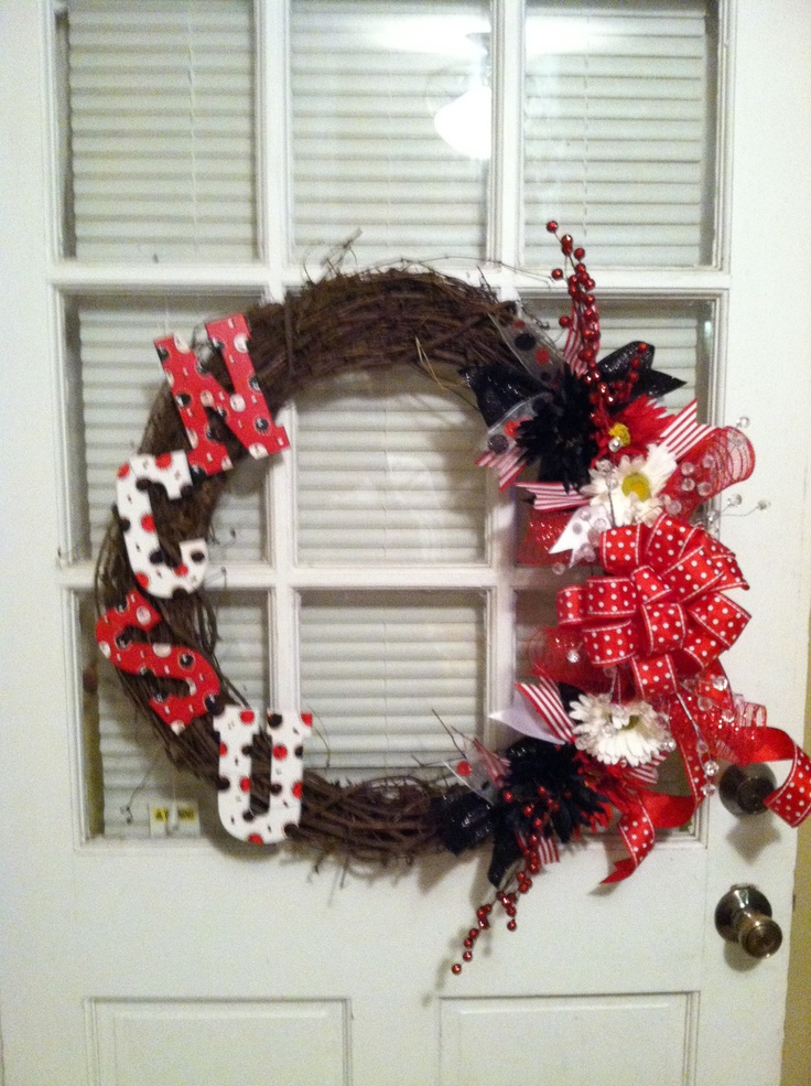 NCSU wreath