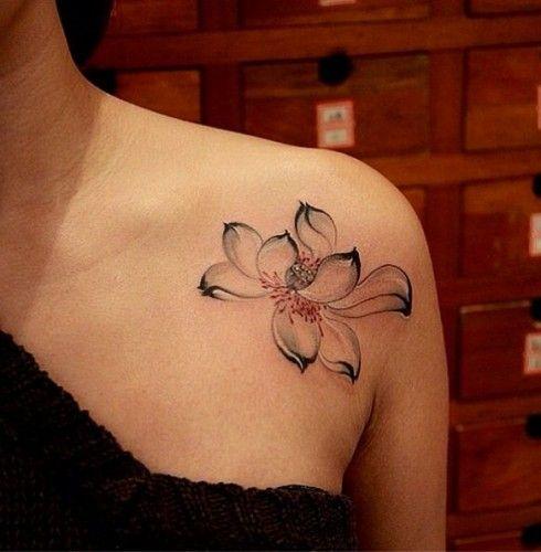{:it}22 meravigliosi tatuaggi coi fiori di loto: foto e significato{:}
