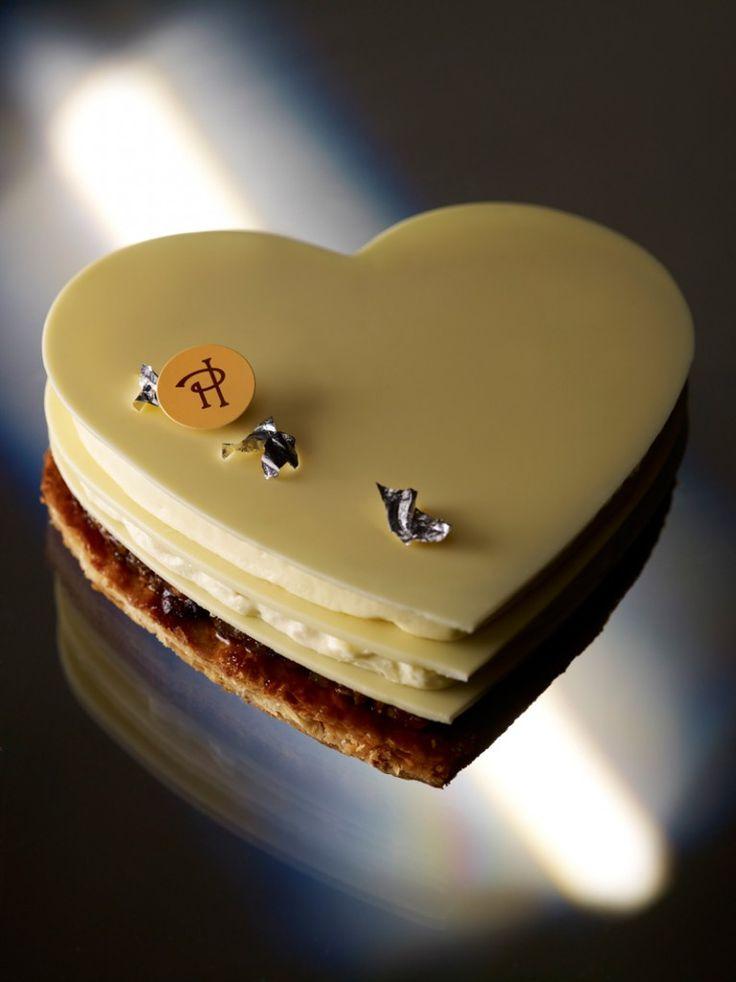 Un gâteau au chocolat blanc, pour respecter votre couleur de table jusque dans l'assiette... #ivory #decoration #yummy