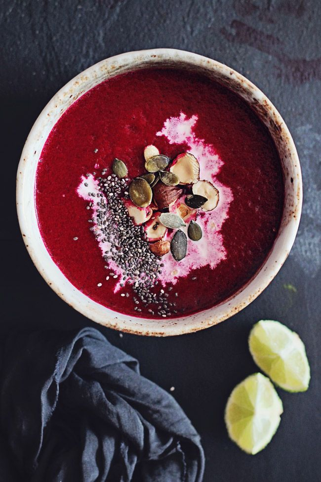 (Y-Great! even for M, garnished with green chili, yogurt, punpkin seed) Beet-Detox-Soup Serves: 2 Ingredients 3 medium beet roots 2 carrots, finely diced 1 onion, finely diced 2 garlic cloves, crushed 1 small leek, finely diced 1 tsp coconut oil 2 cups vegetable broth, warm ¼ tsp sea salt