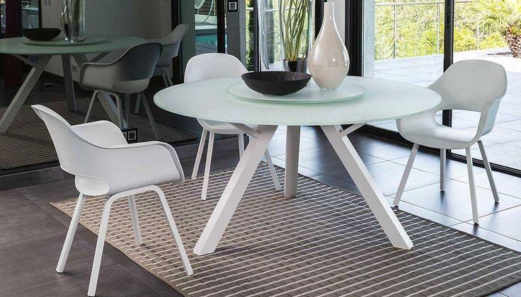 #Outdoor #Tavoli L'arredamento della nostra casa diventa il teatro della vita privata