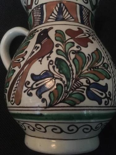 I LOVE this kind of Romanian Korond pottery Now available #shopvintagebeauties a Stunning #ivory handpainted #pitcher #jug #corund  Mooie handbeschilderd tradionele keramiek kruik / karaf i.z.g.st.  romanianpeasant ceramics #traditional folk Hungarian #transilvanian #vintage #romanianmuseum water #wine#keramik #wijn #oldbeauty #vintagebeauty #roemenië #hongarije