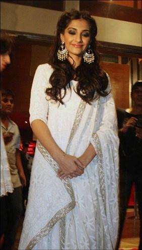 Sonam Kapoor (© Varinder Chawla)
