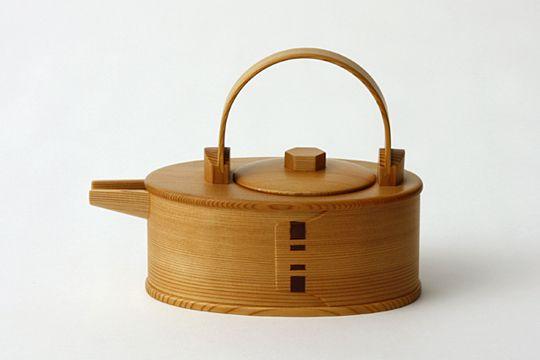 Wooden drinking vessel / 秋田杉 曲輪酒器 小判