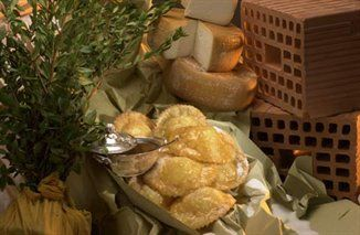 Seadas (traditional sardinian fritter)