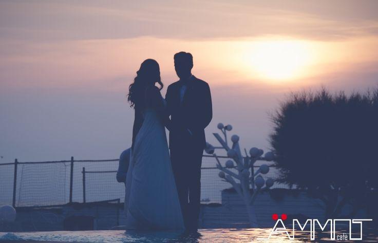 Il matrimonio in spiaggia è il sogno di molte coppie di futuri sposi. Il matrimonio in spiaggia è un evento romantico e carico di emozioni che vengono percepite