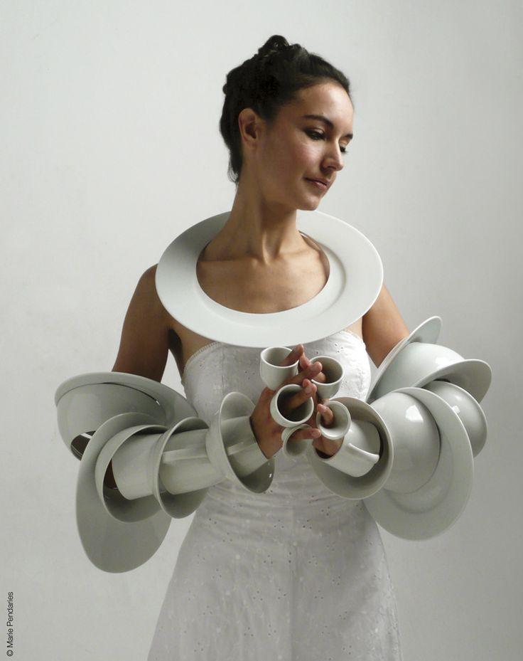 Marie Pendariès – La Dot – 2008 – porcelaine art on 3002-91f34 dans ceramique
