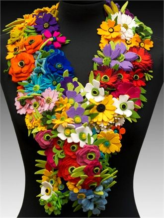 Danielle Gori-Montanelli necklaces, earrings and brooches come together to form a multi-colored patchwork: Flower Felt, Felt Scarfs, Danielle Gory Montanelli, Daniel Gorimontanelli, Cool Idea, Daniel Gory Montanelli, Felt Jewelry, Felt Flowers, Felt Art