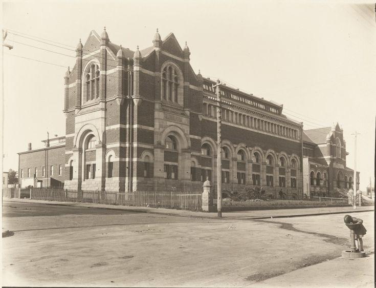 BA1271/224: Hackett Hall, the Public Library of Western Australia building, corner James and Museum Streets, Perth, ca.1935 https://encore.slwa.wa.gov.au/iii/encore/record/C__Rb2102999