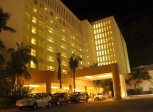 El Be Live Grand Viva Beach es un hotel familiar de lujo y descanso, enmarcado por una de las playas más bellas de Cancún. Miembro de la cadena Be Live (antes Oasis), con altos estándares de calidad.