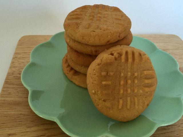 MOTHERS DAY   PEANUT BUTTER COOKIES