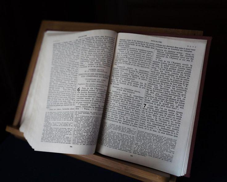 Apocalypse #bible #books #church #chapelle #courson #leicaq #leica #detail #graphism #typography #composition #catholic