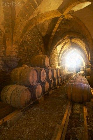 La Cave de la Reine Jeanne, Cremant du Jura, Jura, France http://www.lemarchedapicius.fr/fr/123-champagnes-vins