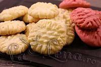Biscuiti fragezi cu unt (German Butter Cookies) - Pas 13