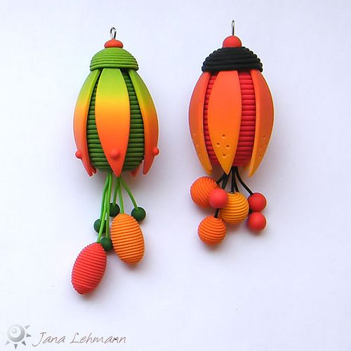 Jane Lehman is one of my favorite polymer artists.Crafts Ideas, Pendants Necklaces, Clay Inspiration, Calyx Pendants, Ufo Polymer, Polymer Artists, Inspiration Diy, Polymer Clay, Earrings