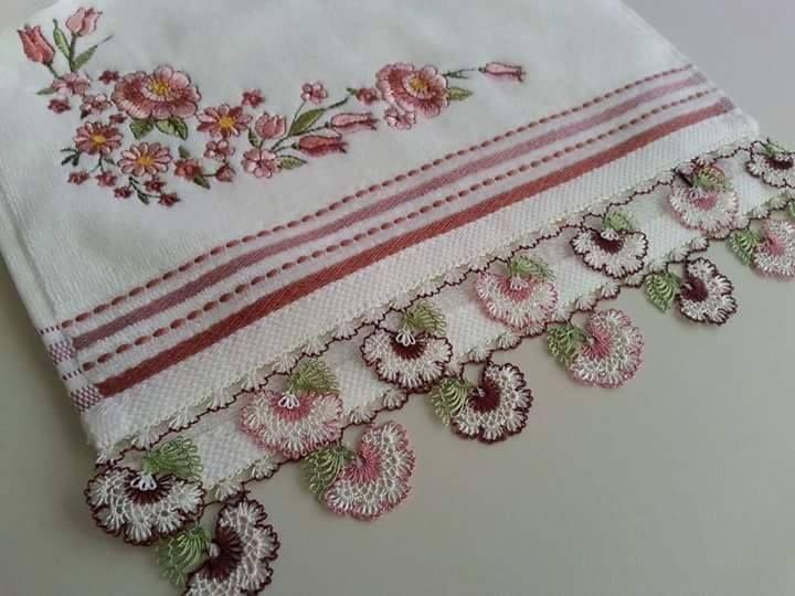 çiçek motifli mutfak havlu kenarı