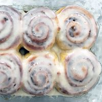 Alton Brown's Overnight Cinnamon Rolls Recipe
