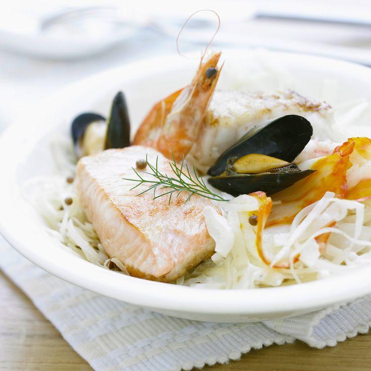Découvrez la recette choucroute de la mer au vin blanc sur Cuisine-actuelle.fr.