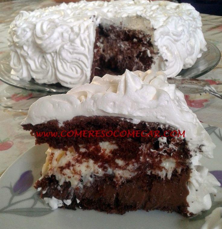 Olá amados.Que a paz esteja com todos!   Vocês gostam de bolo prestígio?   E de bolo de trufa?   Eu particularmente gosto muito dos dois...