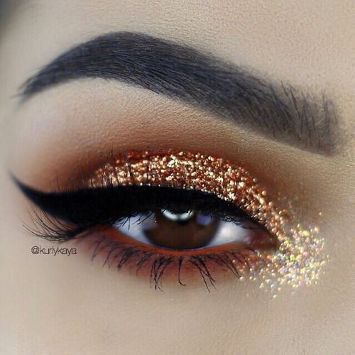 @STYLEXPERT  #Eyeshadow  #gold  #glitter                                                                                                                                                                                 More