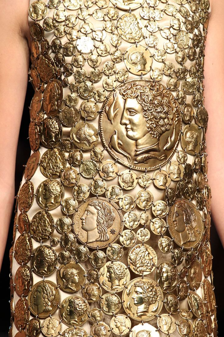Incredible Detailing | Dolce & Gabbana Spring/Summer 2014 RTW