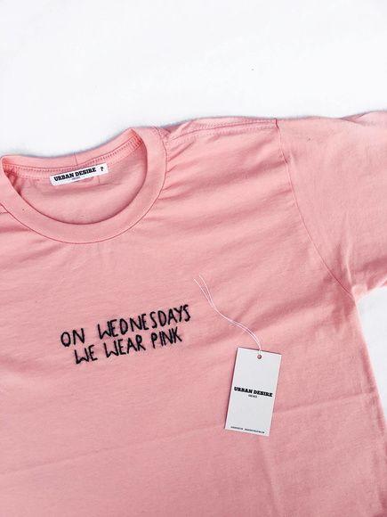 Camiseta bordada a mão 100% algodão. Temos em todos os tamanhos (PP ... baed3f37606