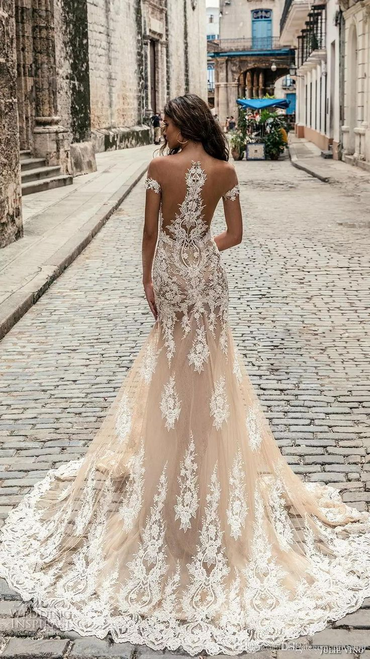 Champagne Julie Vino Wedding Dresses 2019 Off Shoulder Deep Plunging Neckline Bridal Gowns Sweep Train Lace Wedding Dress Custom Made Mermaid Dresses Cheap Mermaid Wedding Dress With Sleeves From Dresstop, $32.47| DHgate.Com