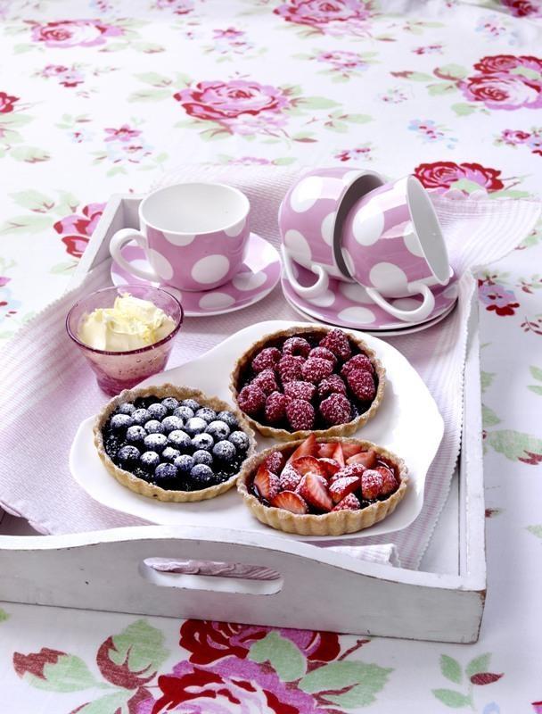 Tarte cu fructe de padure: Cu Fructe, Retet Culinar, Fruct De, Delicate Si, De Padure, Fructe De, Ghid Culinar, Recipes, Oric Anotimp