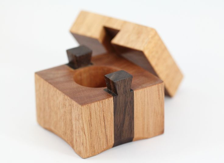 The Slider Queensland Maple Ring Box #warawoodshed