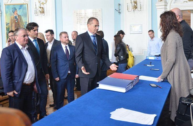 Octavian Buzoianu a depus primul dosar valid de candidatură la Primăria Cluj-Napoca