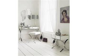 Decorate your home the white way Soft white walls in dulux white mist