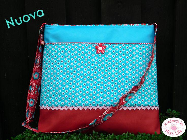 Nuova mit großem Steckfach auf der Rückseite Ebook Nuova- Handmade by Miss Lilu