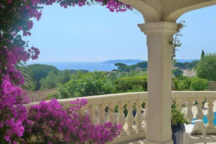 Beautiful villa with lots of peace and quiet #St_Maxime  In a private and secure domain, close to shops and beach, traditional villa with sea view.   Very nice pool area with pool house, terraces ...   Quiet location. https://aiximmo.ch/?p=212803  #frenchriviera #cotedazur #mallorca #marbella #sainttropez #sttropez #nice #cannes #antibes #montecarlo #estate #luxe #provence #immobilier #luxury #france #spain #monaco #miami #realestates #immobilier #immobilien