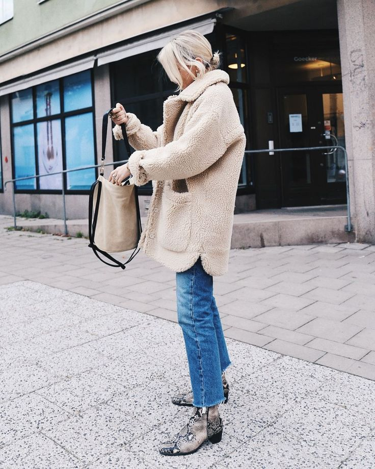 Street Style_ stone colour sherpa outerwear paired with denim & faux snake skin ankle boots || Saved by Gabby Fincham ||