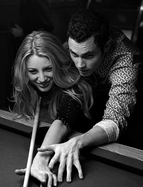 Blake Lively and Penn Badgley as Serena and Dan from Gossip Girl