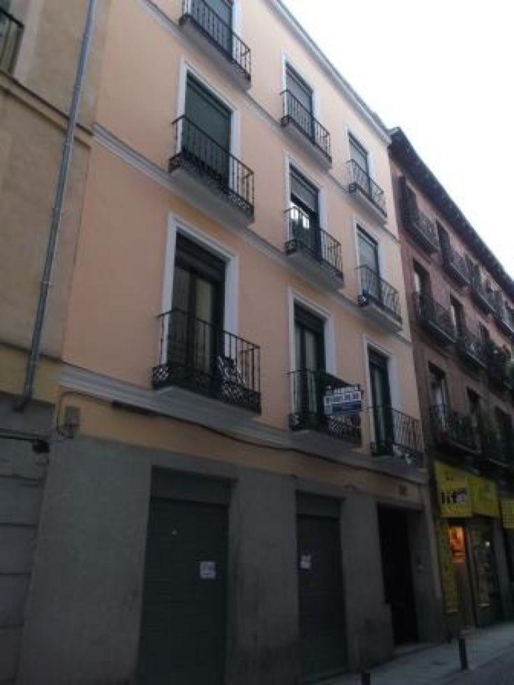 Piso en el centro de Madrid (Chueca). 55 m2, 1 hab y 1 baño. Muy cerca de Gran Vía. Apartment in Madrid city centre (Chueca neighborhood). 55 m2, 1 bed & 1 bath. Close to Gran Vía. 176.000 €.