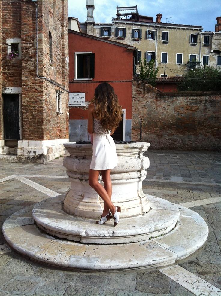 Chi è questa bella ragazza misteriosa? #borsa #caleidos #PE13