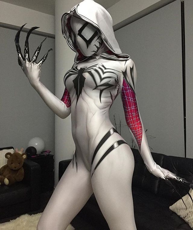 HOLY COW!! COSPLAY LEVEL EXTREME!! TAG YOUR FRIENDS!! NERDS UNITE!!  • • • Update - Shoutout to @eliselaurenne!! Your cosplay is on point!! • • • #EXTREME #spidergwen #spidermanhomecoming #spiderman #batman #shoutout4shoutout #NerdKing #gwenom #NerdsUnite
