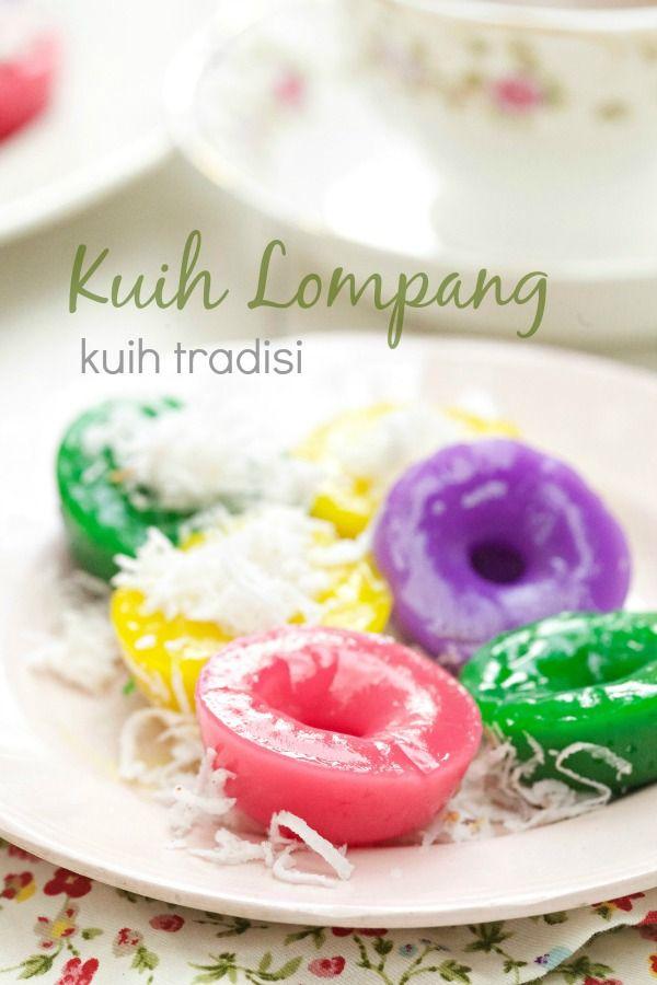 Kuih Lompang merupakan salah satu kuih tradisi yang masih lagi di gemari dan popular di kalangan rakyat Malaysia. Kuih Lompang adalah san...