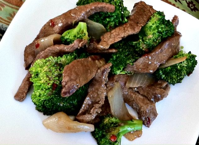 Dishing With Leslie: Broccoli Beef (Stir Fry): Beef Recipes, Dinner, Beefy Recipes, Beef Stir Fry, Broccoli Stir Fry, Leslie, Broccoli Beef Stir, Beef Steak Recipes, Beef Dishing