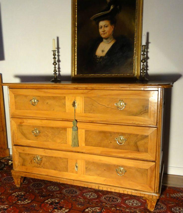 Louis Seize Kommode versch.Obsthölzer  um 1790 Obstholz, 3-schübig 87 x 127 x 66